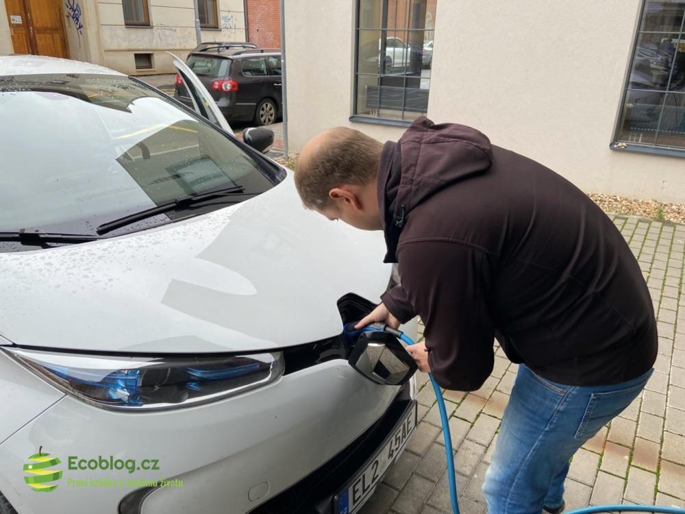 carsharing autonapůl
