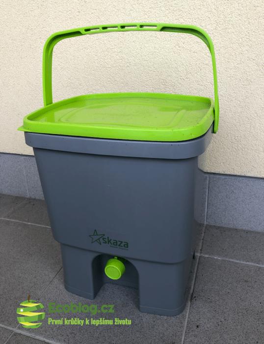 domácí kompostér